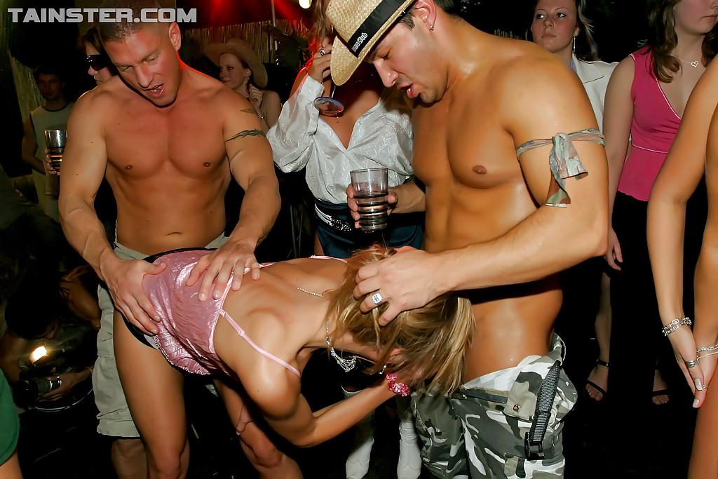 Разгоряченные свингеры устроили незабываемую групповуху | порно фото бесплатно на gig-photo.ru